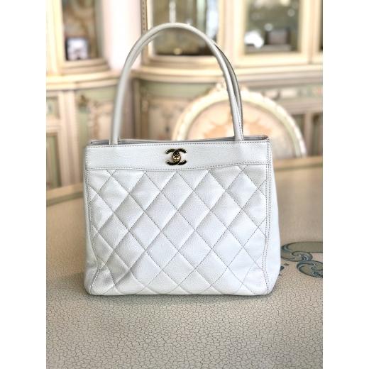 Chanel Caviar Quilt Beige Handbag Small