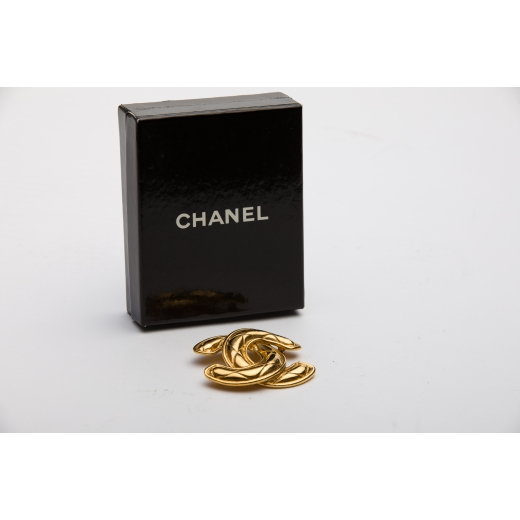 Chanel Quilted 90s GHW Brooch Large