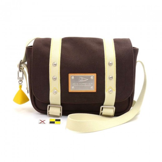 Louis Vuitton Besace PM LV Cup Chocolate Brown Ant...