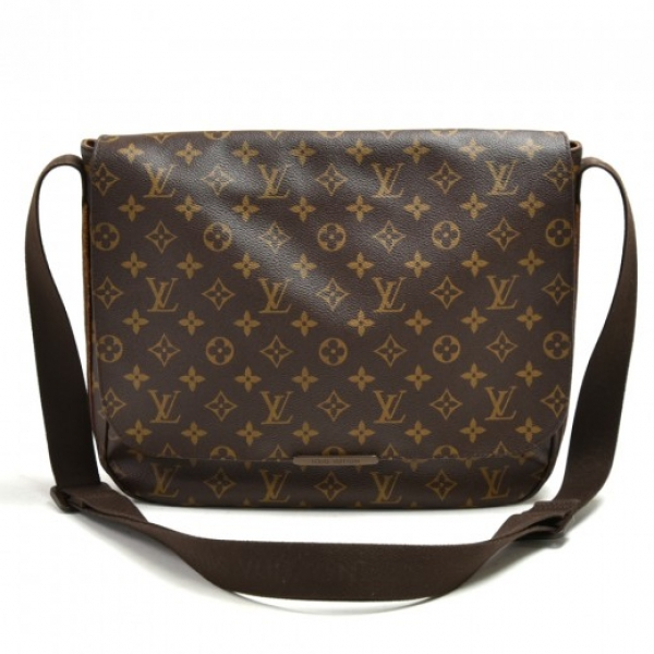 Louis Vuitton District MM Monogram  Macassar Canva...