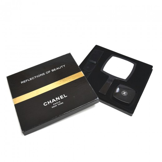 Chanel Reflections of Beauty Mirror Makeup Brush &...